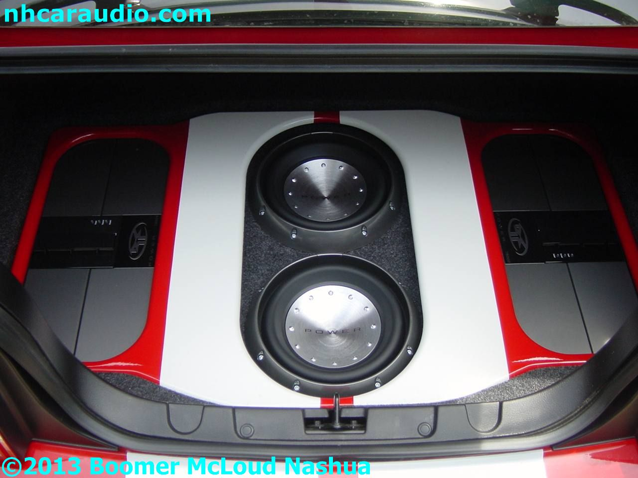 mustang-custom-trunk-subwoofer-amplifier-install