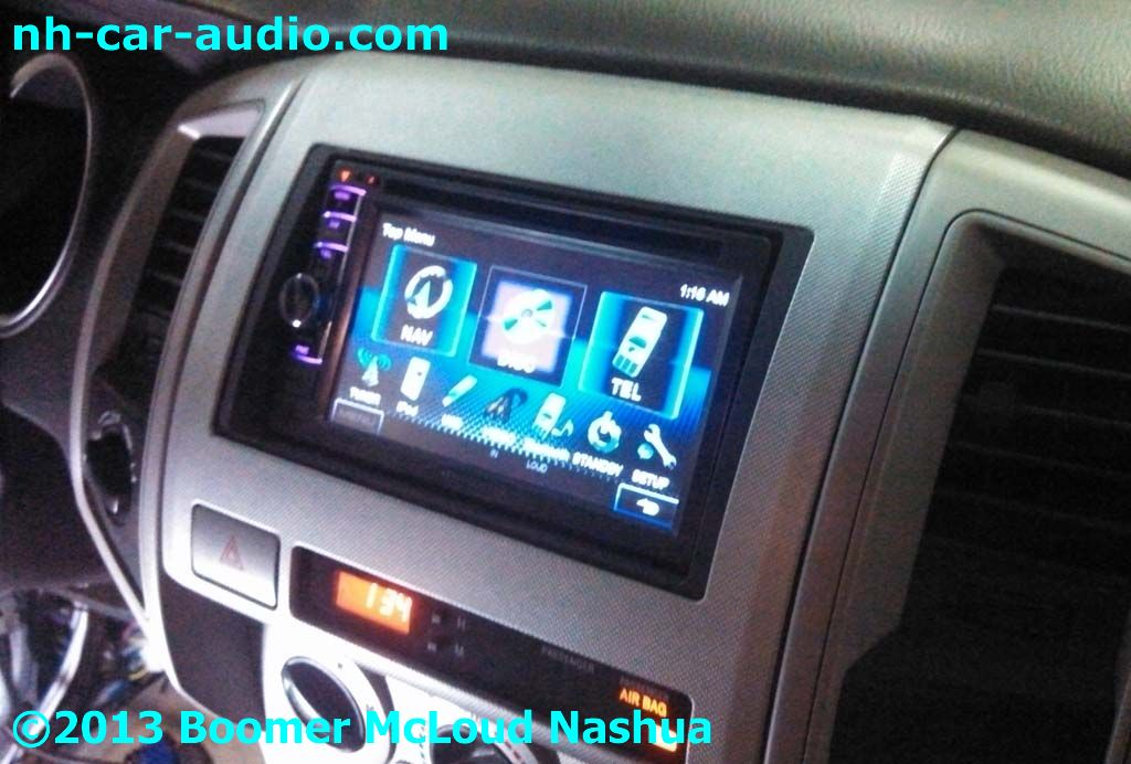 Toyota-Tacoma-multimedia-installation